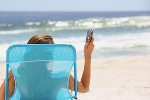 Вероятность разлучиться со телефоном в летнюю пору увеличивается