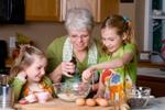 Помощь бабушек и дедушек