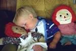 Дети без родителей отстают в развитии