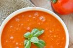 Томатный суп с базиликовым маслом