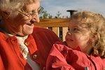 Участие бабушек и дедушек в воспитании малыша