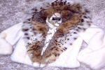 Шубы из норки с капюшоном из рыси