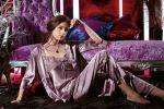 Красота и комфорт атласных и шелковых пижам