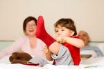 Как научить малыша одеваться с удовольствием?